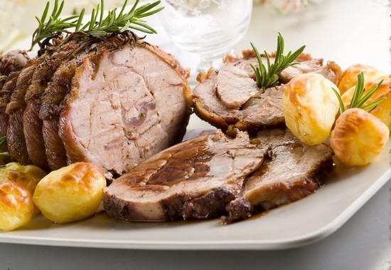 Карбонат свиной в духовке с картошкой