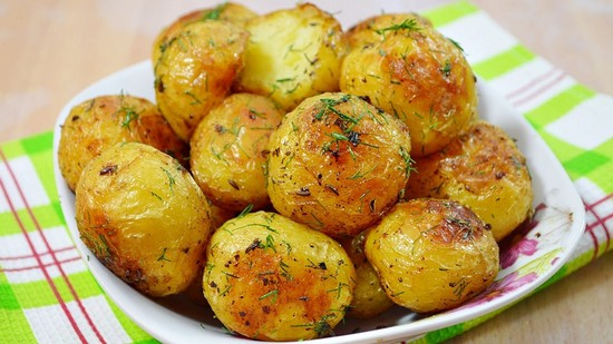Картошка в духовке с корочкой золотистой целая