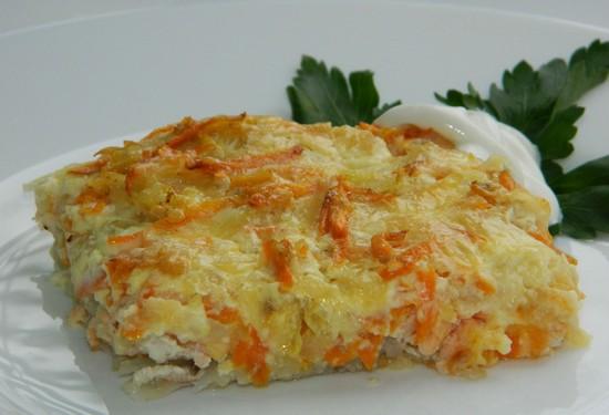 Кета в духовке с морковью