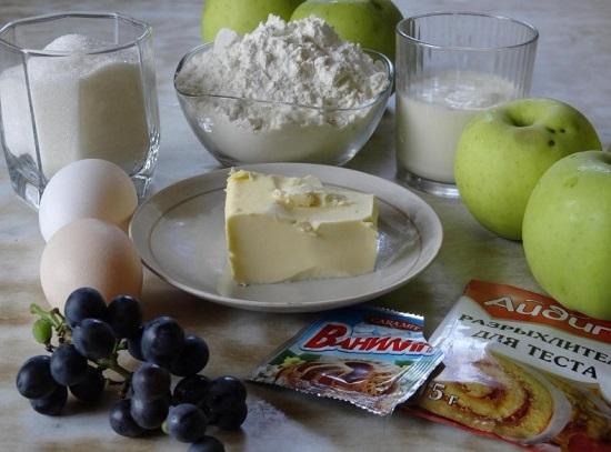 Шарлотка с яблоками в духовке с разрыхлителем