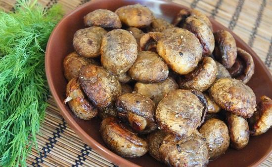 грибы шампиньоны в духовке целиком