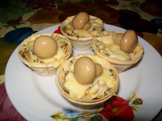 начинку для тарталеток из ветчины, грибов и сыра