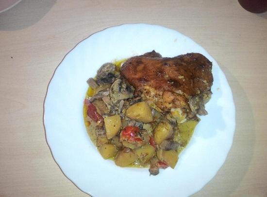 Картофель с курицей и грибами в рукаве