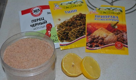 обработайте лимонным соком