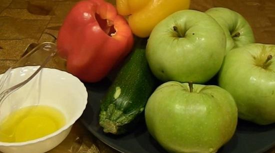 очищаем и промываем овощи и фрукты