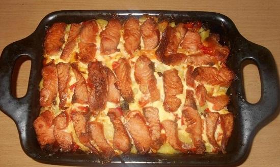 филе рыбы с картофелем в духовке