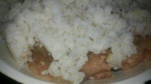 Добавляем рисовую крупу в фарш