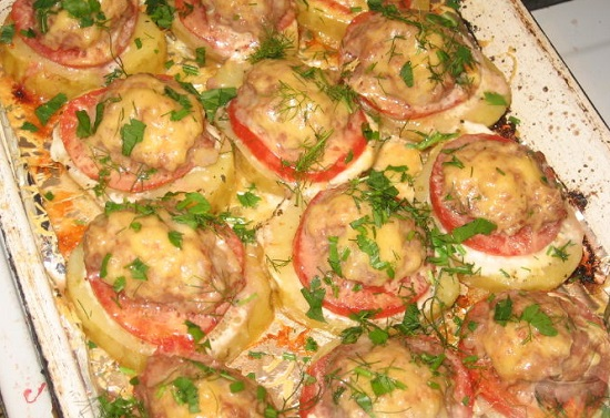 вариант приготовления запеченной картошки с шампиньонами и сыром