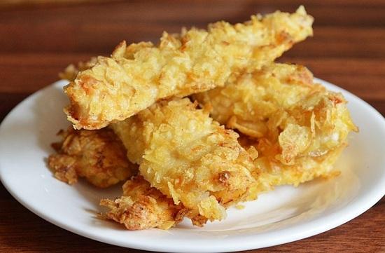Курица в панировке из чипсов в духовке