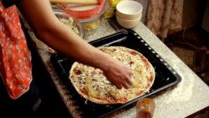 Укрыть крупно натертым сыром