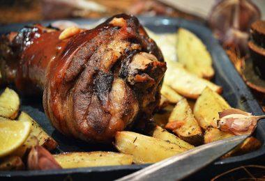 Рецепт приготовления рульки из свинины в духовке