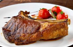 Свиной антрекот в духовке: рецепты