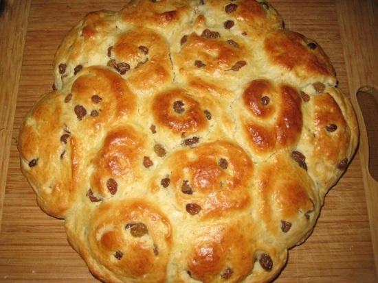 Пирог с изюмом: простой рецепт в духовке