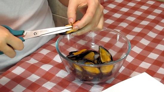 Внутри филе морепродуктов может быть пучок волокон
