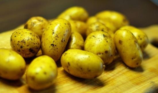 У нас молодая картошечка