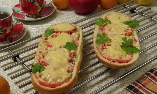 Быстрая пицца из батона в духовке: рецепт простой