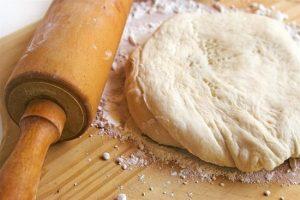 Быстрое дрожжевое тесто для пирогов