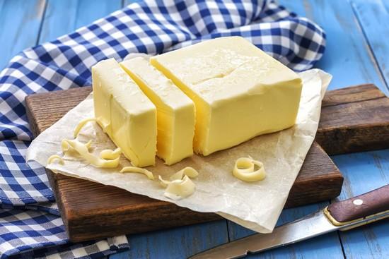добавьте мягкое сливочное масло