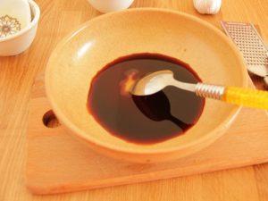 Сделайте маринад: согрейте мед