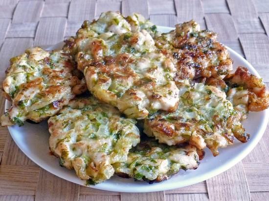 отбивные из куриного филе с зеленью