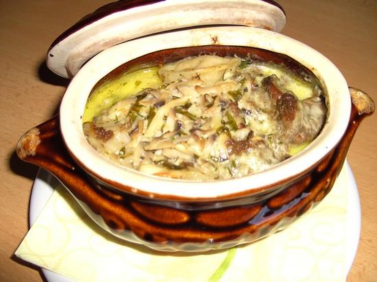 Сибирские пельмени амур в горшочках с печенью