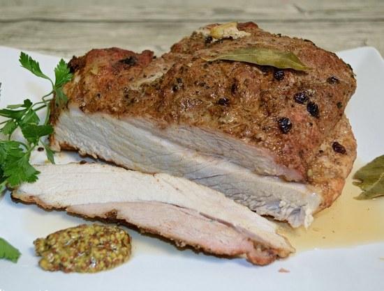 Классическая домашняя буженина в духовке в фольге из свинины