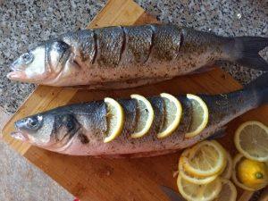 Сибас в фольге в духовке: рецепт с лимоном