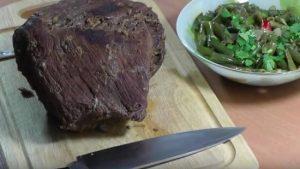 мясо проведет в духовке два часа