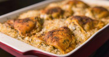 Куриные бедра с рисом в духовке: рецепты от именитых кулинаров