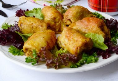 Куриные бедра в майонезе в духовке: рецепты пикантных блюд