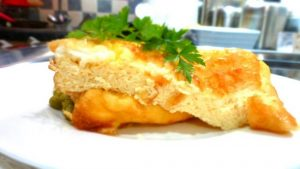 омлет с добавлением сыра твердых сортов