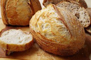 Пшеничный хлеб на закваске в духовке: рецепты пышной выпечки