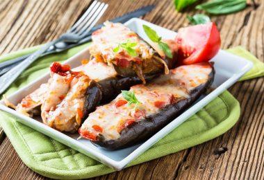 Запеченные баклажаны с помидорами в духовке: рецепты вкусных блюд
