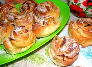 Рецепт булочек с яблоком в духовке