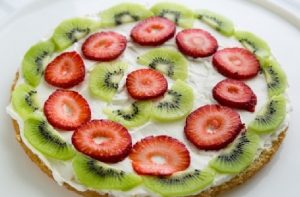 Бисквитная выпечка с черничными ягодами
