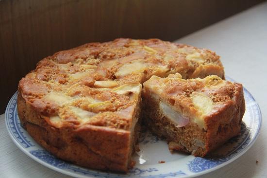 пирог в стеклянной форме в духовке
