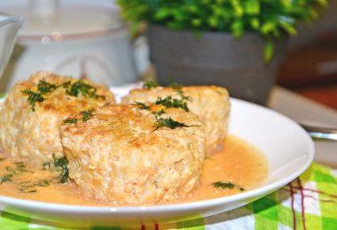 Котлеты в духовке: рецепт с подливкой