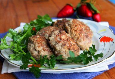 Куриные котлетки в духовке: рецепт (из грудки)