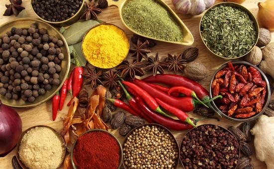 удивительный аромат выпечке придают специи и пряности