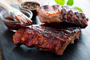 Ребра свиные в духовке: рецепт с картошкой