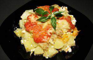 Рецепт: минтай, запеченный в духовке с картошкой