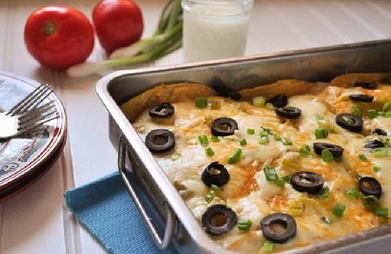 окорочка в духовке с чесноком под сметанно-сырным соусом