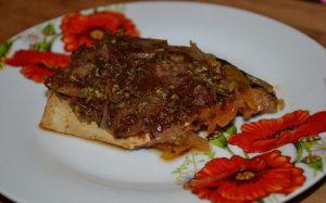 Скумбрия, запеченная с овощами в духовке: рецепт