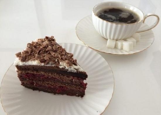 молочный шоколадный торт
