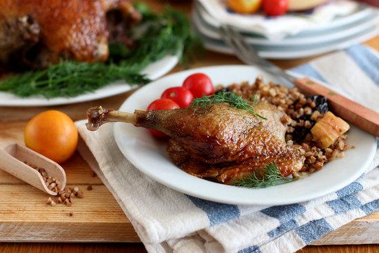 Утка с гречкой в духовке: рецепт