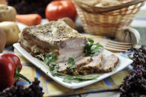Как же нарезать свиное сало