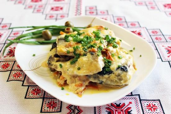 любой рецепт запекания скумбрии в духовке с картошкой