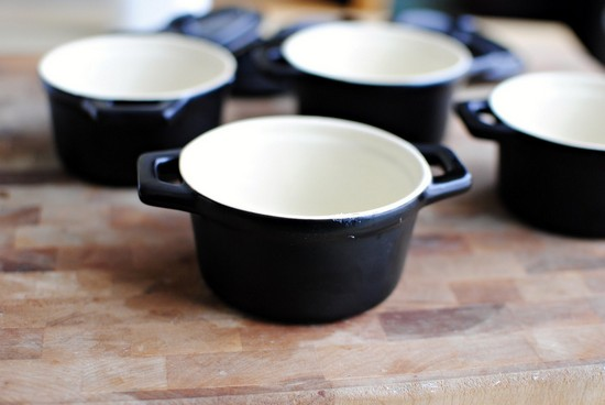 суп в духовке с паприкой и добавлением свежей зелени