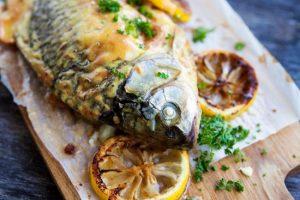 Рецепт фаршированного карпа с овощами и перепелиными яйцами