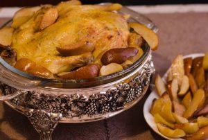 Фаршированная курица с грушами в духовке